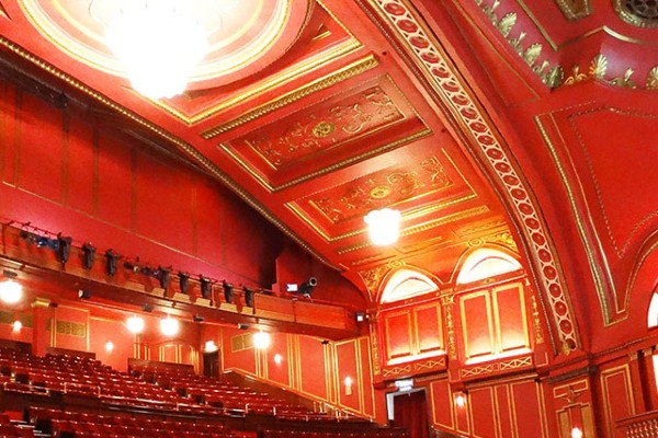Dominion theatre 600x400 1